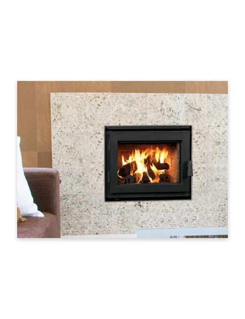 Foyer au bois ladera d 39 astria fireplaces au coin du feu for Fournaise au bois exterieur