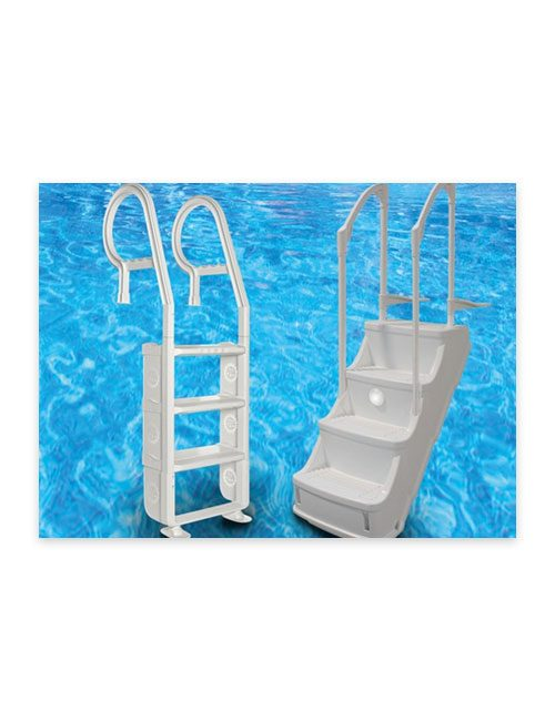 Marches et échelles de piscine disponibles chez Au Coin du Feu.